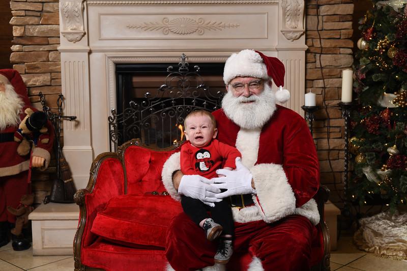 Santa2018.TylerBoye.-83.jpg