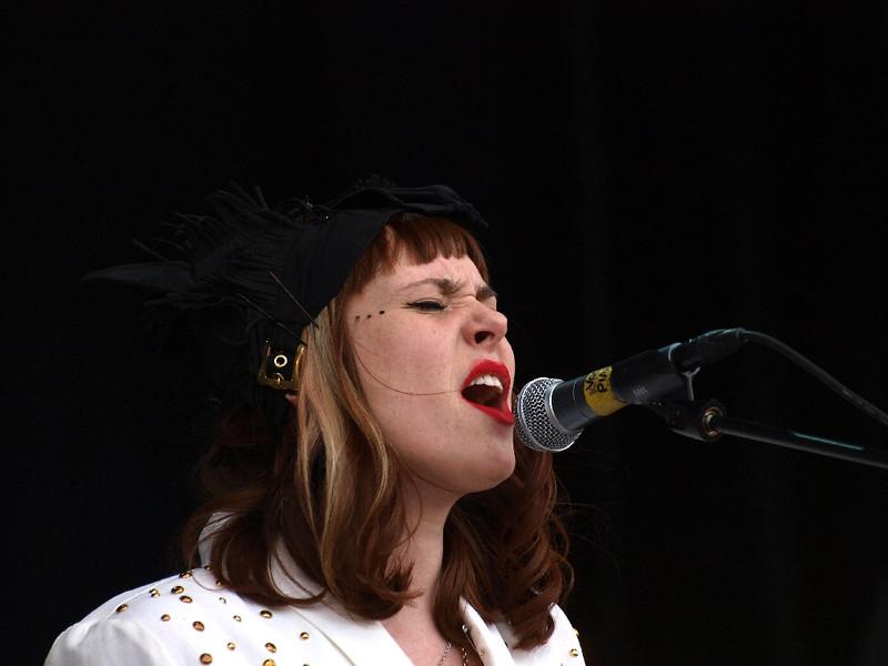 Kate Nash Bevrijdingsfestival Groningen 05-05-11 (25) .jpg