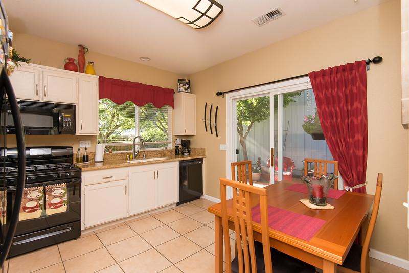 DSC_4884_kitchen.jpg