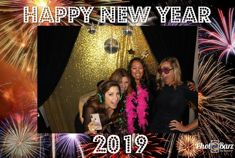 New Years 2019 Photobooth Pics (107).jpg