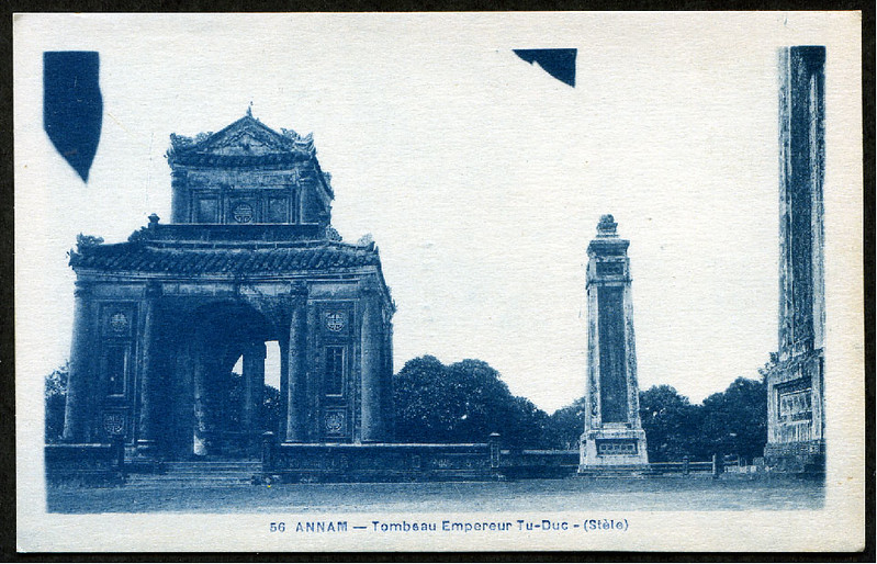 Annam - Hue - Tomb of Tu Duc.jpg