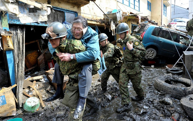 JapanEarthquake2011-220.jpg