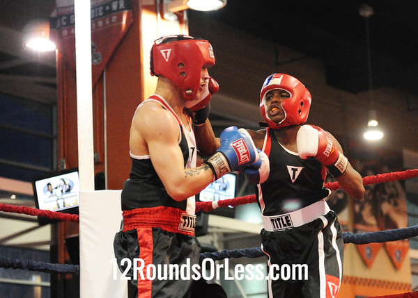 Abdus McGlothin (Lonnie Burton Rec) vs Edwin Santox (Raul Torres)  152 Pound-Novice Bout # 10