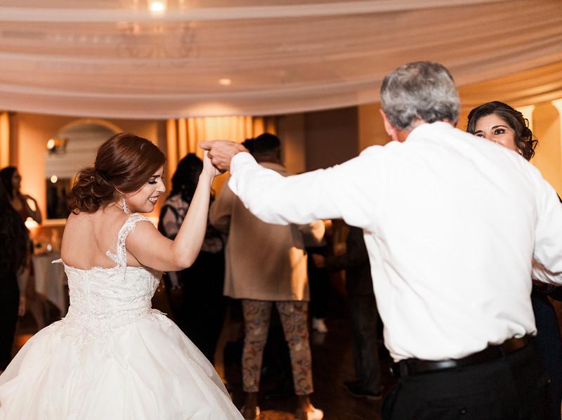 Alexandria Vail Photography Wedgewood Fresno Wedding Alexis   Dezmen844.jpg