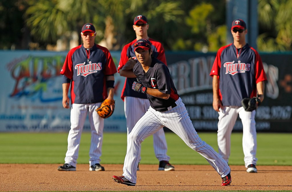 """. <p><b> One of the annual rites of spring takes place tomorrow when � </b> <p> A. Pitchers and catchers begin reporting to major league training camps <p> B. The first spring training game is played in Florida <p> C. The Twins are mathematically eliminated from the American League Central race <p><b><a href=\'http://msn.foxsports.com/mlb/story/with-aussie-trip-ahead-dodgers-and-d-backs-get-jump-on-spring-training-020214\' target=\""""_blank\"""">HUH?</a></b> <p>     (J. Meric/Getty Images)"""