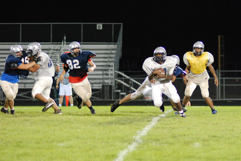 blue and silver scrimmage 075.JPG