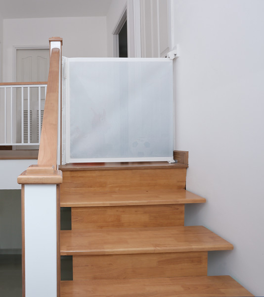 lascal_kiddyguard_assure_lifestyle_stairs_low.jpg