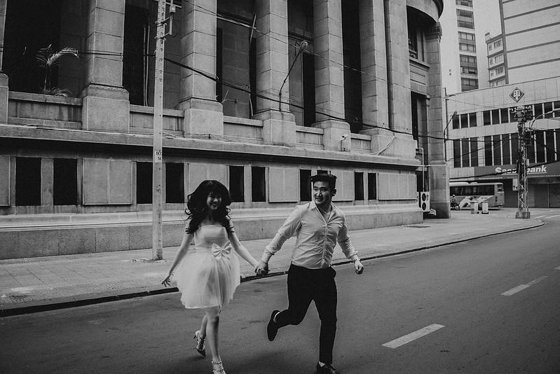 Tu-Nguyen-Destination-Wedding-Photographer-Saigon-Engagement-Shooting-Vietnam-Videographer-31.jpg