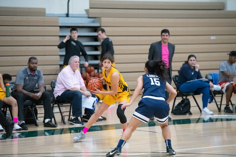 Basketball-W-2020-01-31-7884.jpg