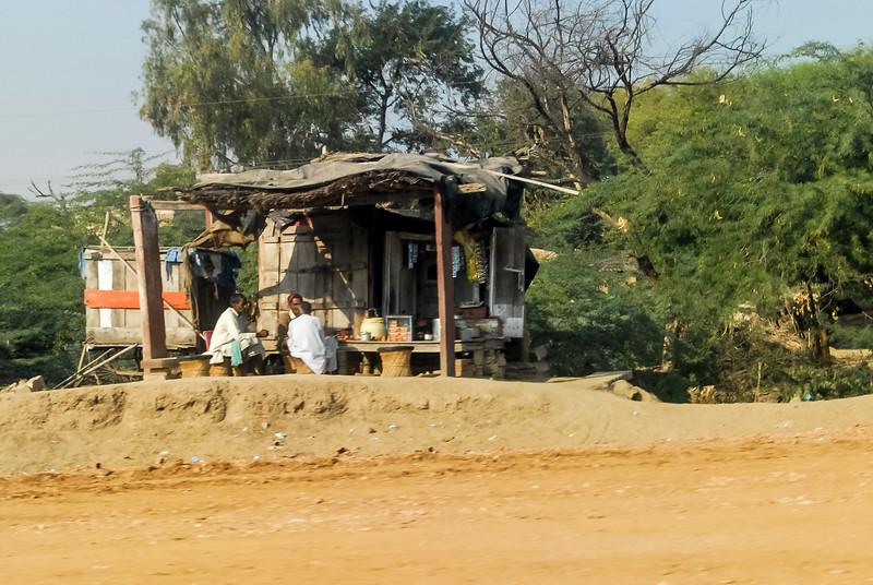 Roads_in_India_1206_030.jpg