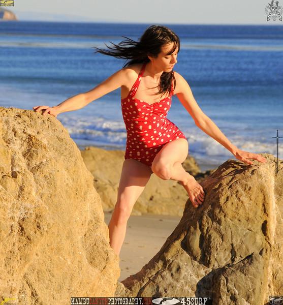 matador swimsuit malibu model 673..00....jpg