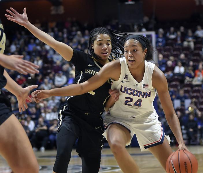 Vanderbilt UConn Basketball