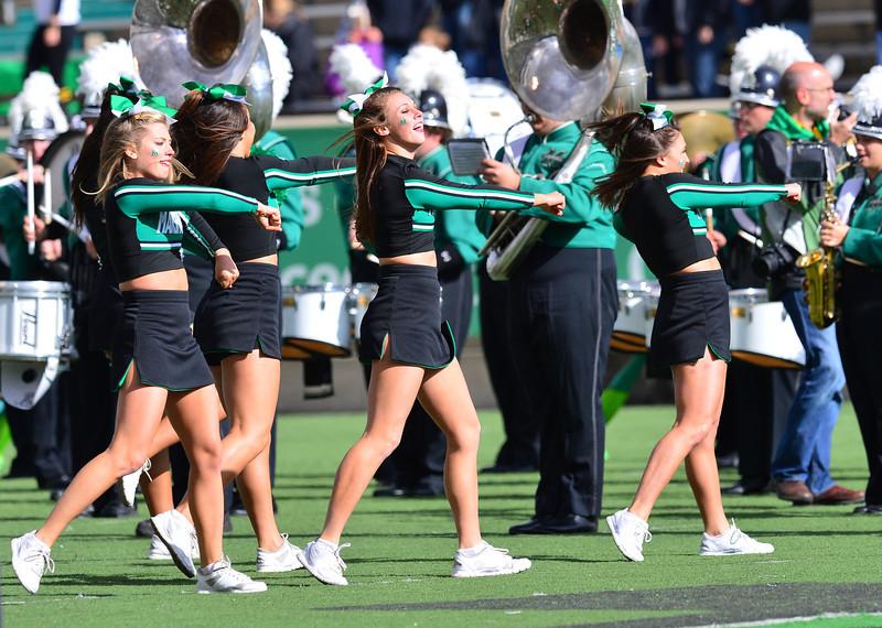cheerleaders2914.jpg