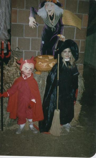 Andi_Adam_Witch_and_Little_Devil_Halloween_87.jpg