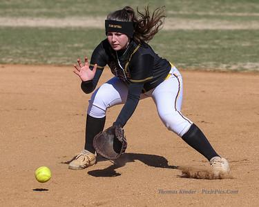 Varsity Softball v Yorktown 3/26/18