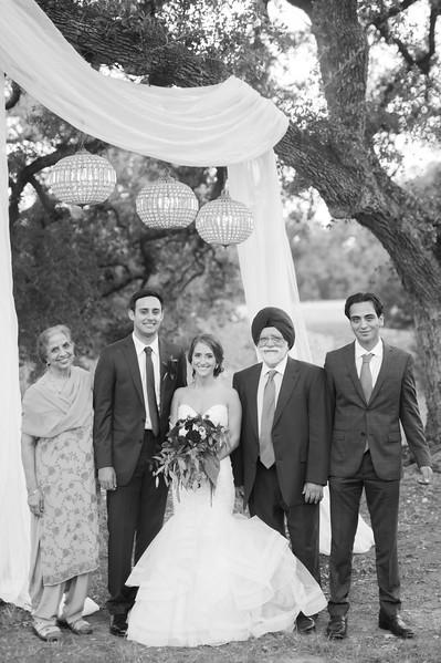 Alexa + Ro Family Portraits-51.jpg
