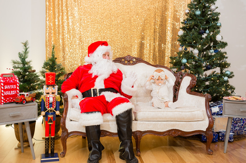 FADS Picture with Santa-191.jpg