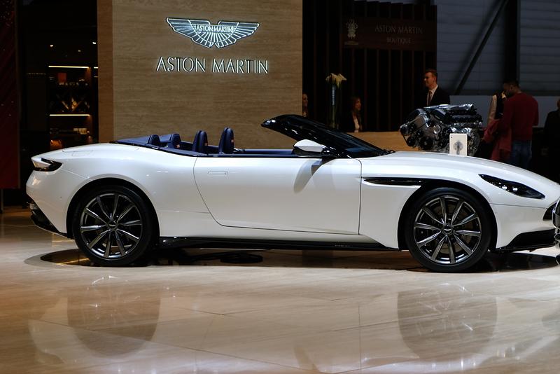 Aston Martin DB11 Volante.jpg