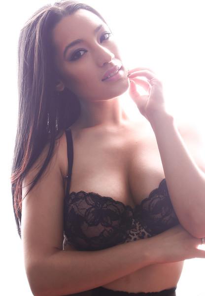Victoria Yesenia 3.jpg