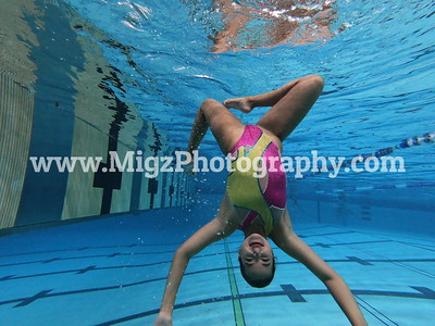 Solo 1 - 19 Underwater Posed