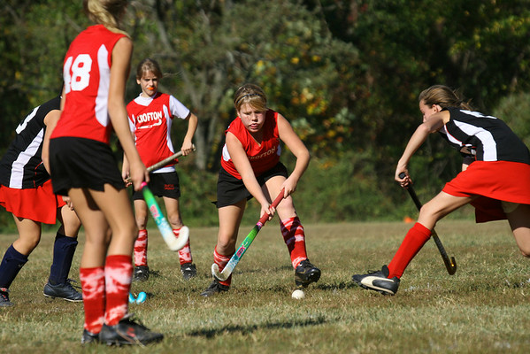 Kendall keeping her eye on the ball and her stick low!