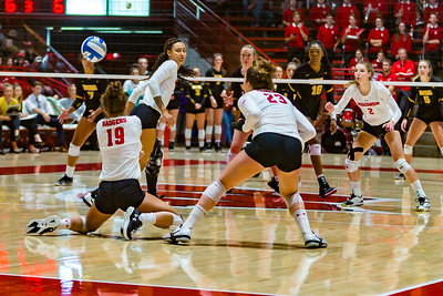 UW Sports - Volleyball [d] October 21, 2018