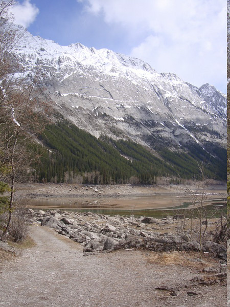 Down to Maligne / Medicine Lakes