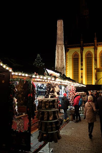 Wurzburg_ChristmasMarket-161126-40.jpg