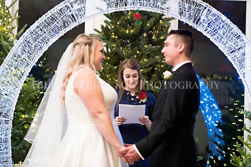 Hillary_Ferguson_Photography_Melinda+Derek_Ceremony076.jpg