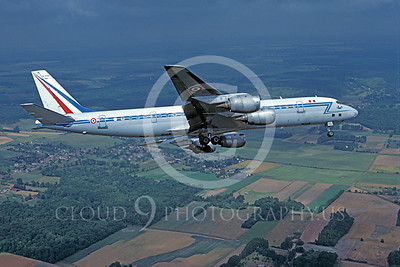 Flying French Air Force Douglas DC-8 Airplane Pictures