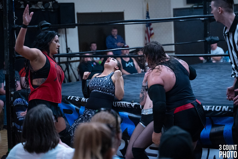 Girl-Fight-Brew-City-80.jpg