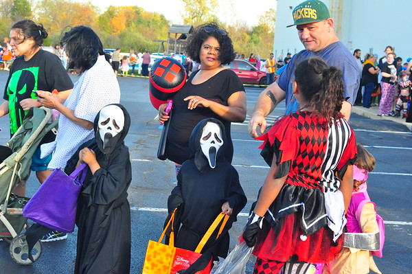 10-22-17 NEWS Defiance Christian Church Trunk-or-Treat