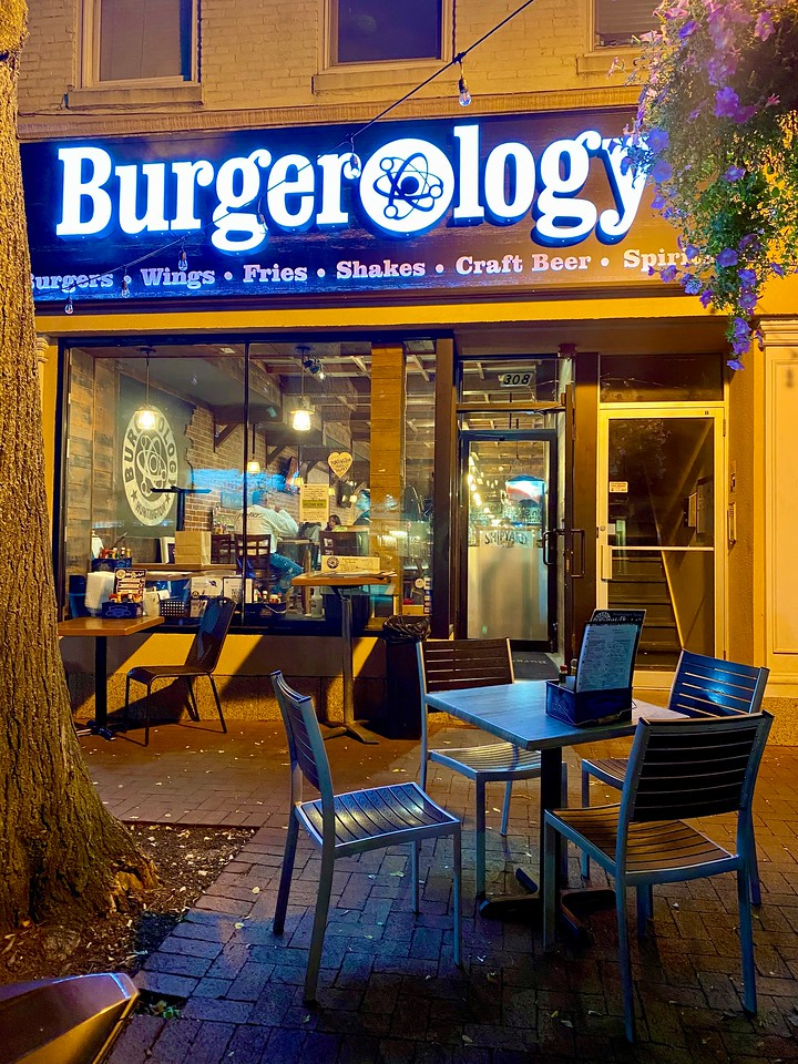 burgerology huntington new york