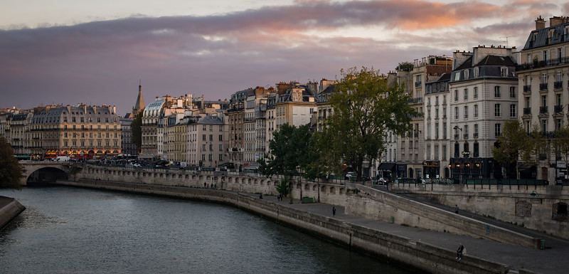 Late October afternoon view of Place St-Michel and the Quai des Grands Augustins.