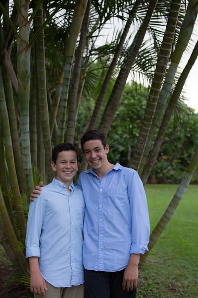 kauai-family-portraits-30.jpg