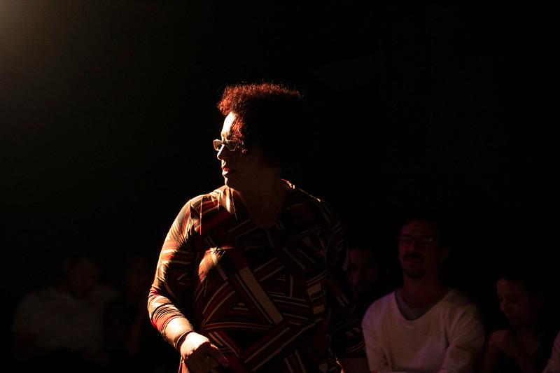 Allan Bravos - Fotografia de Teatro - Indac - Migraaaantes-418.jpg
