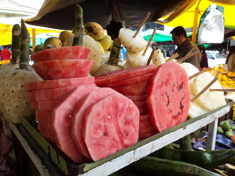 gualaceo-market-4_5365063776_o.jpg
