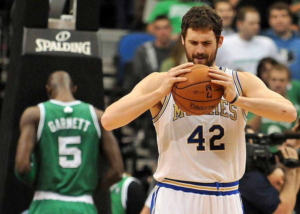 """. <p>1. KEVIN LOVE <p>Wolves� lone star is SO outta here! (unranked) <p><b><a href=\'http://www.twincities.com/sports/ci_24877797/timberwolves-kevin-love-torches-teammates-after-latest-loss\' target=\""""_blank\""""> HUH?</a></b> <p>   <p>OTHERS RECEIVING VOTES <p> Jay Gruden, Yasiel Puig, Alex Rodriguez, dead bats, George Washington Bridge, Red McCombs, St. Paul, Michael Schumacher, Lindsey Vonn, Tim Brewster, Aaron Hernandez, Bobby Petrino, frostbite, Insane Clown Posse, Johnny Manziel, atomic wedgies, Paul McCartney & Ringo Starr, Lindsay Lohan�s stolen computer, Roger Ailes, Meryl Streep, Jeff Ireland, Robert Gates, Noah Spence, Liz Cheney. <p> <p>EDITOR�S NOTE <p> Hard to believe, but it�s time for another Loop vacation. But we�ll have our NFL conference championship picks next week, and the onslaught of other Loop News Products will resume on Tuesday, January 21. <p> <br><p> You can follow Kevin Cusick at <a href=\'http://twitter.com/theloopnow\'>twitter.com/theloopnow</a>.   (Pioneer Press: John Autey)"""