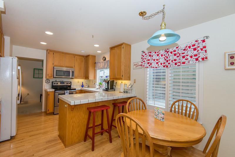 DSC_5162_kitchen.jpg