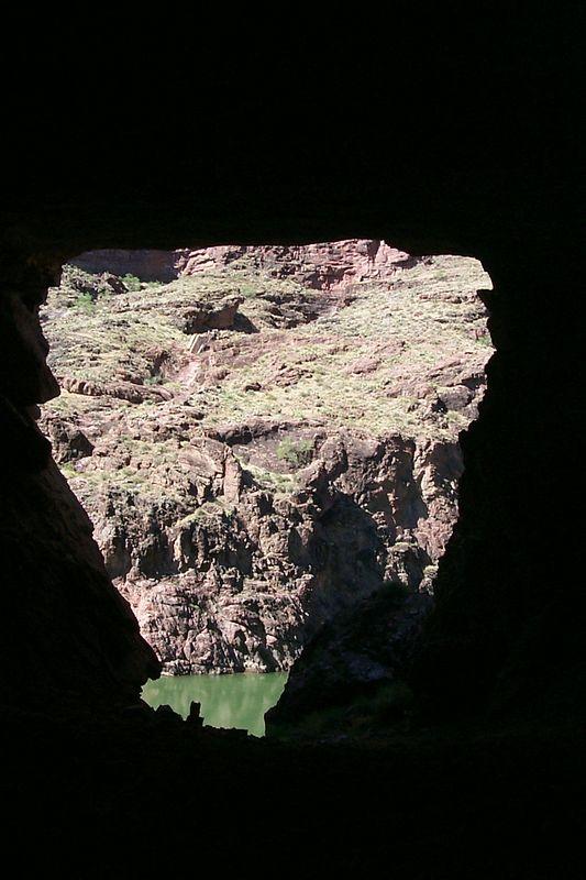Christmas Tree Cave   (Jun 06, 1999, 09:53am)