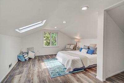 1226 S 116th St/Movie-gallery tour