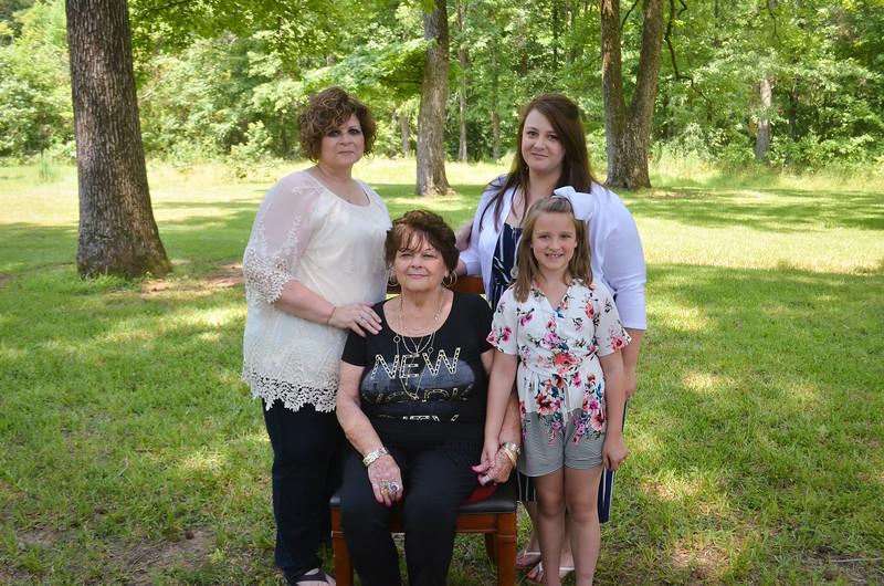 2019.6.14 Stoltz Family Photos-0185.jpg