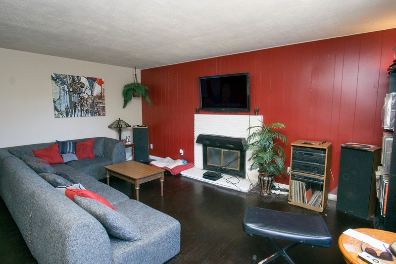 livingroom b.jpg