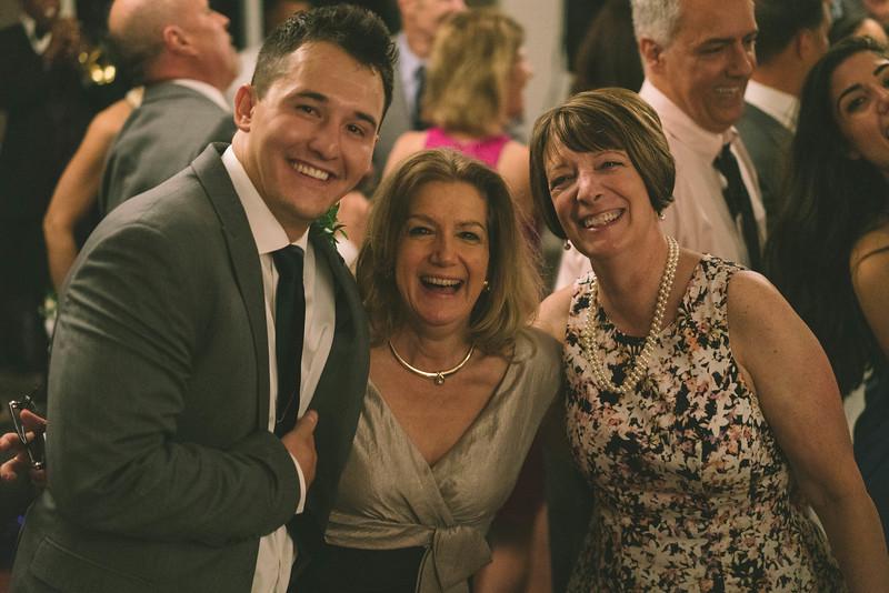 MP_18.06.09_Amanda + Morrison Wedding Photos-03244.jpg