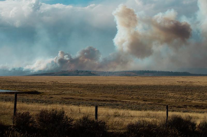 Roosevelt Fire Sept 30 from Jim Bridger Estates_1.jpg
