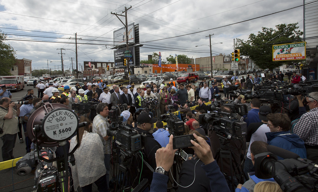 . PHILADELPHIA, PA - MAY 13:  In this handout image supplied by NTSB, NTSB member Robert Sumwalt briefs the media on Amtrak Train #188 derailment on May 13, 2015 in Philadelphia, Pennsylvania. Service has been interrupted after Amtrak train derailed in Philadelphia last night, killing at least seven people and injured more than 200. (Photo by NTSBgov via Getty Images)