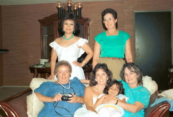 FAMILY_MomBettyArleneMrsChen.jpg