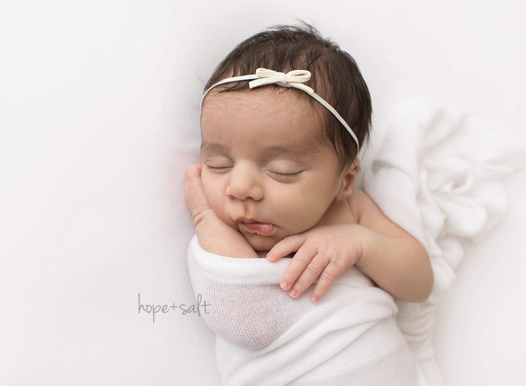 oakville newborn photographer - baby girl Natalia sweet and simple Burlington ontario studio session all natural poses