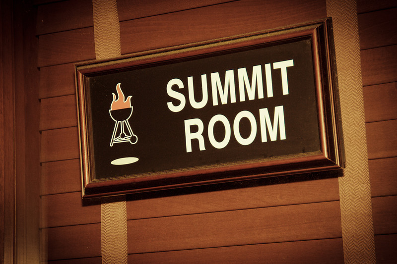 Speaker Dinner begins at the Summit Room at Weber Grill
