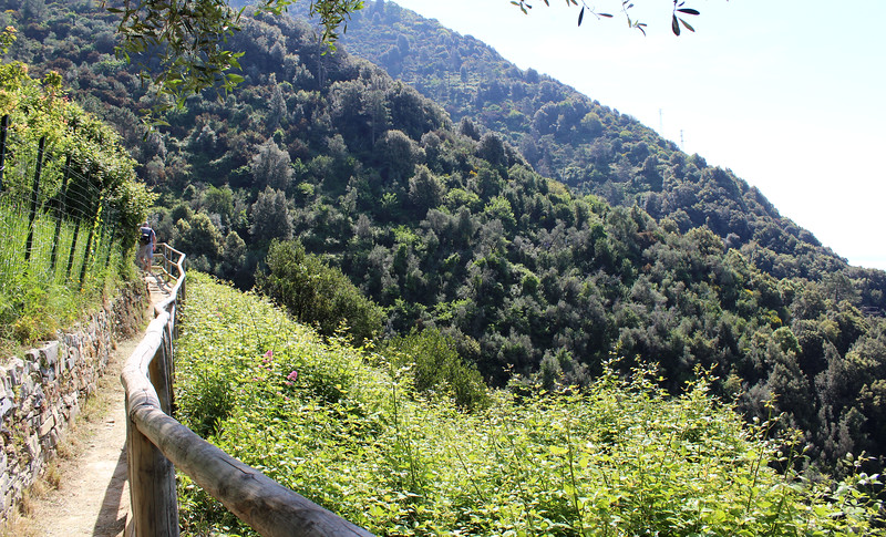 Italy-Cinque-Terre-Hiking-Blue-Path-Trail-13.JPG